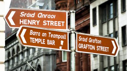 road signs in dublin ireland